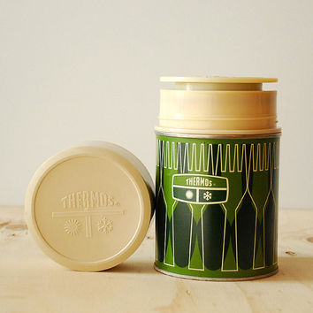 Vintage Thermos Summer Camping Green Retro Print Geometric Moonrise Kingdom