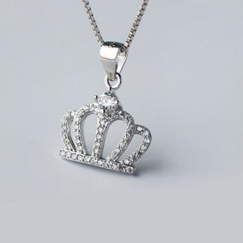 925 sterling silver crown necklace,gorgeous fashion crown necklace,a perfect gift
