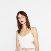 CROPPED CUT-OUT TOP