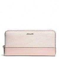 ACCORDION ZIP WALLET IN COLORBLOCK MIXED LEATHER