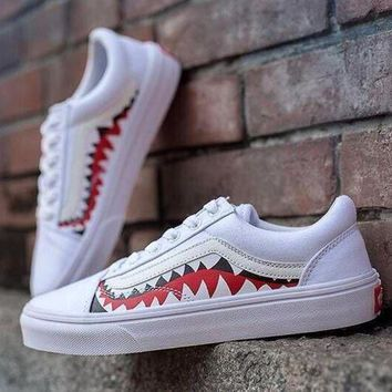 ONETOW Sale BAPE x Vans Old Skool Custom 17ss SHARK MOUTHS Low Sneakers Convas Casual Shoes XH52 OS