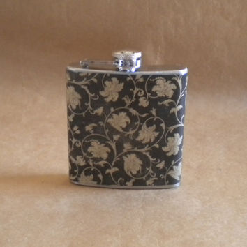 Black and Tan Ornate Swirls Print Girl Gift 6 Ounce Flask KR2D 5108