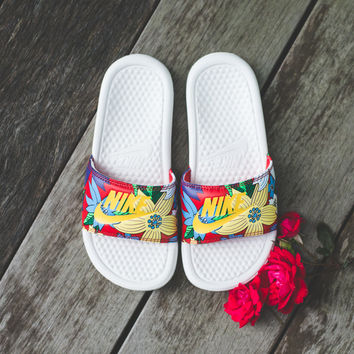 WMNS Nike Benassi JDI Print Slipper - 'Sail/Tour Yellow'