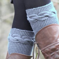 Knitted Boot Cuff  Woman  - Gray Short Cable Knit Boot Cuffs. Short Leg Warmers. Crochet Boot Cuffs. Gray Legwear