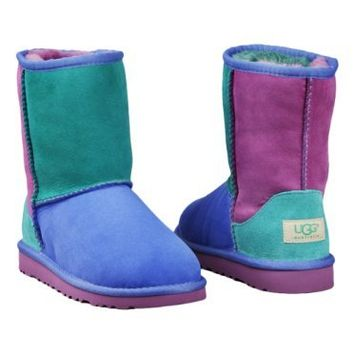 Ugg Classic Patchwork Boots Little Kids Style: 3151K-FPM Size: 3