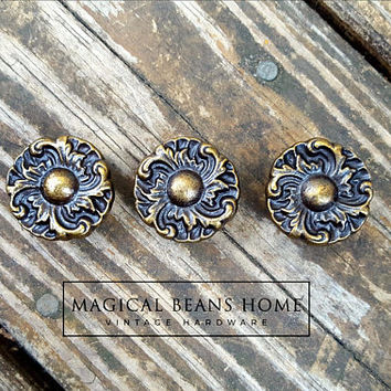 Hollywood Regency Knobs Floral Knobs French Provincial Furniture Pulls Brown Bronze Drawer Pulls Handles Decorative Knobs Dresser Hardware