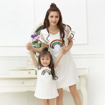 Mom and Daughter Dress 2017 Fashion Sequined Rainbow Dress for Girls and Women Summer Cotton Dresses Family Matching Outfits