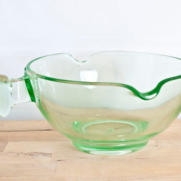 D&B Green Depression Glass Mixing Bowl, Batter Double Pour Spout with Grip Handle, Uranium