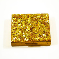 1950s Compact Glittering Gold Lucite Top Heavy Brass with Mirror and Powder Puff