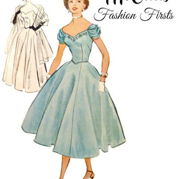 1950s Strapless Off Shoulder Evening Dress Pattern Sweetheart Neckline Full Skirt Gown Vintage McCalls 9567 Sewing Patterns Size 14 Bust 32