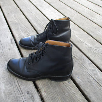Vintage Black Leather Military Boots / Steel toed Army Boots / Unisex boots /Women's 6.5/ Men's size 5