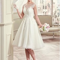 [136.99] Charming Tulle & Satin Bateau Neckline A-Line Knee-length Wedding Dresses With Lace Appliques - dressilyme.com