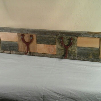 Rustic Coat Rack/Hat Rack made with Reclaimed Wood. Horseshoe style hangers