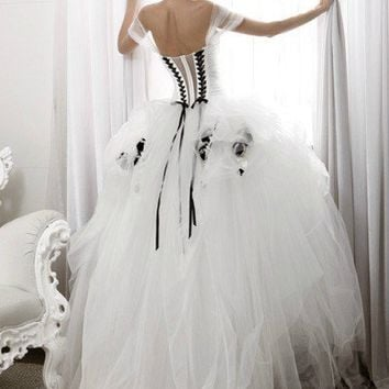 Hot Sale Black White Wedding dresses Prom Quinceanera Pageant dress Ball Gown