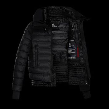 Moncler VONNE in Short outerwear for women | Official Online Store