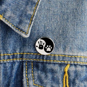 Trendy Palm Paw Brooch Pin Tai Chi Pins Buckle Dog puppy Cat Kitten Claw Pins Denim jacket Shirt Lapel Pin Badge Jewelry Gift for kids AT_94_13