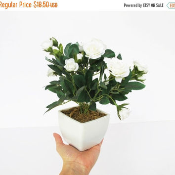 SALE 1 Artificial Roses In Pot Hight Quality Supply Green White Simulation Plant Sculpture Planter Vase Composition Home Decor Craft Indoor