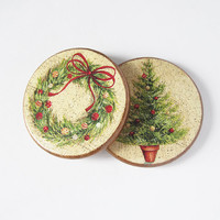 Christmas Wooden Coasters. Christmas Tree and Wreath Coasters. Set of 2 Decoupage Round Coasters. Christmas Table decor. Christmas Gift set.