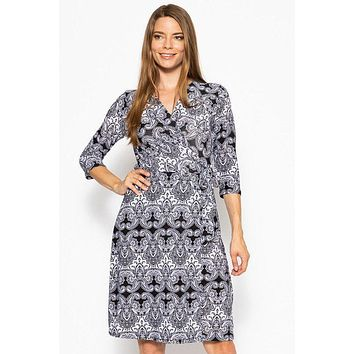 Women's Casual Fashion Dresses Modest Style Dress V-neck Line 3/4 Sleeve Dress