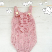 Knitted baby bodysuit / Knitted romper / Baby girl Onesuit / Knitted baby Onesuit / ruffles / Newborn Photo props