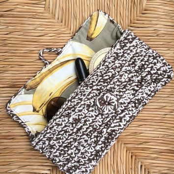 Banana little crochet clutch in brown and Ecru