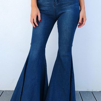 Cute & Flare Jeans: Dark Denim