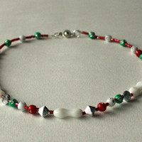 Beaded necklace for girl, christmas colors. Red, white, green. Choker necklace. Beaded  kids jewelry. Ready to ship.