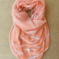 .Peach Zig Zag Loop Scarf [3825] - $10.00 : Vintage Inspired Clothing & Affordable Dresses, deloom | Modern. Vintage. Crafted.
