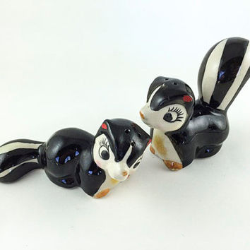 Vintage Skunk Salt And Pepper Shakers Ceramic Kitschy Skunk Figurine Kitsch Mid Century Black White Kitchen Decor