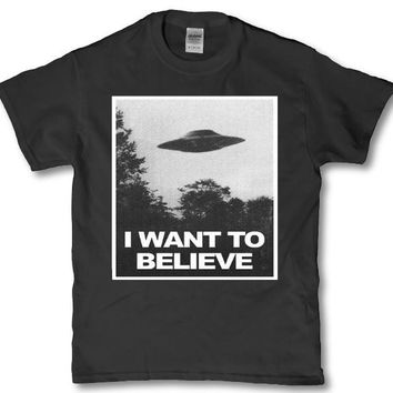 Aliens do exist - Adult unisex t-shirt - I want to believe