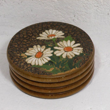 French vintage shabby chic daisy box, French vintage box, shabby chic box, wooden box, jewelry box. cottage chic. Circular box