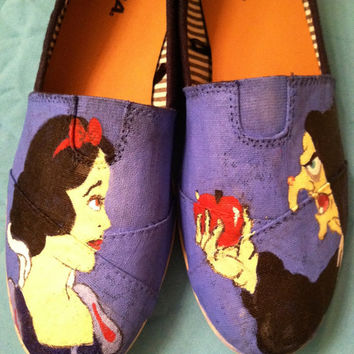 Custom hand painted acrylic canvas Snow White disney princess shoes