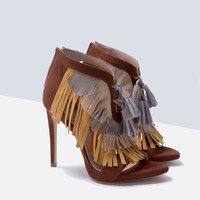 Tri-color sandal with fringe