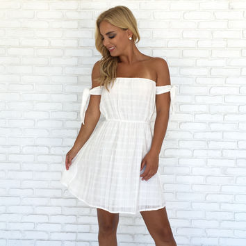 Full Spectrum Dress In White