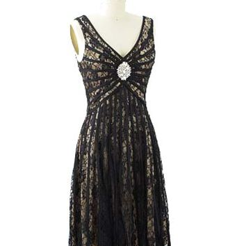 1920s Cocktail Dress-Gatsby Party Dress #artdecostyle #gatsbydress #flapperdress #20sstyledress