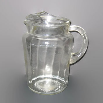 Vintage Water Pitcher, Serving Pitcher, Vintage Glass, Drink Pitcher, Collectible Glass, Lemonade Pitcher, Swirl Glass Pitcher, Ice Lip