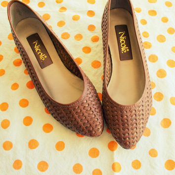 Vintage NICOLE Leather Flats...size 5 6 womens....designer vintage. fancy. pumps. flats. shoes. leather. glam.  brown. ladies. working girl