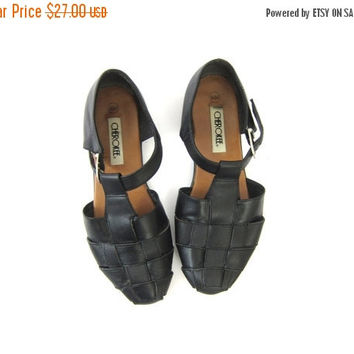 Woven Leather 90s black braided Shoes Sandals Vintage 1990s Buckled Closed Toe Shoes Womens size 8.5