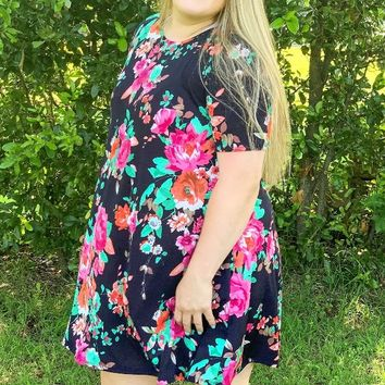 Easy Choice Navy Floral Short Sleeve Dress l Plus Size - 2XL Left
