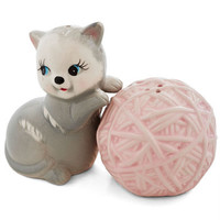 ModCloth Quirky Kitten Confidential Shaker Set