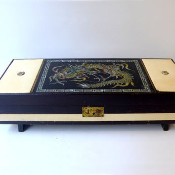ON SALE 1950s Japanese MOP inlay dragon lacquer jewellery box