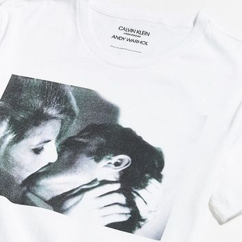 Calvin Klein X Andy Warhol Kiss, 1963 Tee | Urban Outfitters