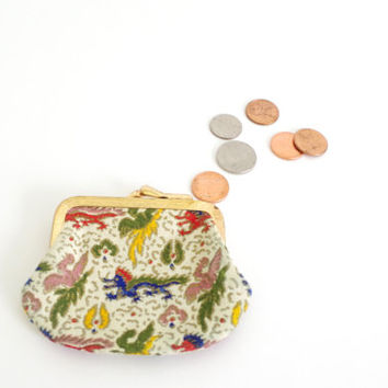 vintage coin purse // dragon print coin purse // white change purse // fabric coin purse // vintage accessories 1980s