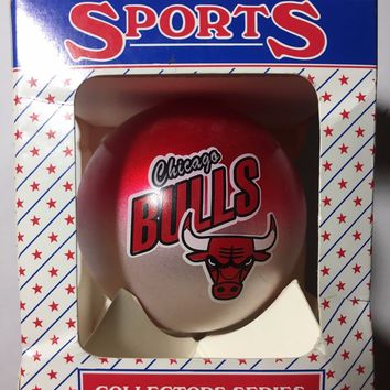 CHICAGO BULLS NBA CHRISTMAS FADE ORNAMENT SHIPPING