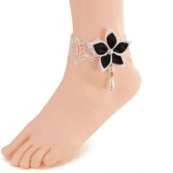 White Lace Faux Pearl Blossom Embellished Anklet