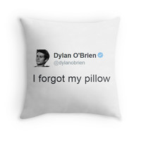 """I Forgot My Pillow"" - Dylan O'brien Tweet"