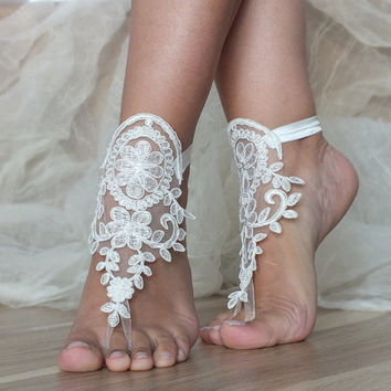 Free Ship ivory lace sandals, bridal anklet, ivory Beach wedding barefoot sandals, bangle, wedding anklet,  anklet, bridal, wedding