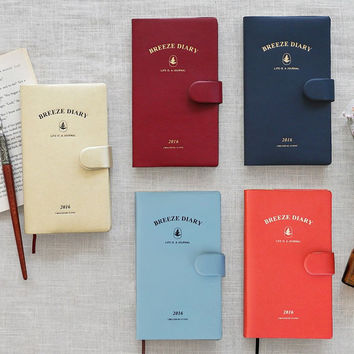 2016 Iconic Life is a journal breeze dated diary scheduler