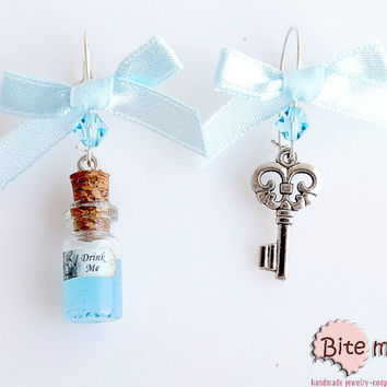 Mini Food Jewelry Alice in Wonderland Magic Potion and Key Earrings, Polymer clay Sweets, Kawaii Jewelry, Miniature Sweets, Cute Jewelry