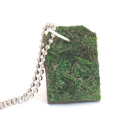 Moss Dog Tag Necklace, Eco Friendly, Terrarium Necklace, Moss Necklace, Plant Jewelry, Gardener, Naturalist